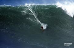 ALE MARCIANO / 0593HKE (Rafael González de Riancho (Lunada) / Rafa Rianch) Tags: surf waves surfing olas sport deportes sea mer mar nazaré vagues ondas portugal playa beach 海の沿岸をサーフィンスポーツ 自然 海 ポルトガル heʻe nalu palena moana haʻuki kai olahraga laut pantai alam