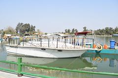 Boat - قارب (MohammadAliHuzam) Tags: قارب متنزه الزوراء بغداد العراق عراق مركب سفينة زورق boat iraq baghdad zawra zawraa park zoo ميناء رصيف port ship ابيض white
