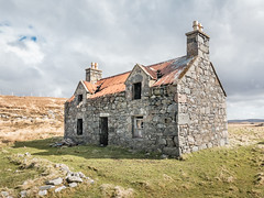 A Lewis House II (kaifr) Tags: abandoned ruin architecture old house dilapidated deserted outdoor rural ramshackle building damage callanish scotland unitedkingdom gb