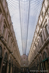 #galeríassainthubert #galeríasrealesdesanhuberto #2016 #bruselas #bruxelles #brussel #bélgica #belgium #ciudad #city #viajar #travel #viaje #trip #paisaje #landscape #reflejos #reflexes #photography #photographer #picoftheday #sonystas #sonyimages #sonyal (Manuela Aguadero) Tags: landscape trip city sonystas 2016 brussel reflexes sonya350 sonyimages ciudad galeríassainthubert bélgica viajar bruselas picoftheday belgium photography bruxelles sonyalpha sonyalpha350 paisaje reflejos galeríasrealesdesanhuberto photographer alpha350 viaje travel