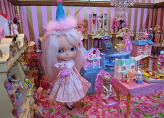 The Dolly Shop (Primrose Princess) Tags: takara blythe doll blythedoll customblythe morganorton pinkalpacareroot atomicblythe dollshop birthday birthdayparty shoppingspree vintagedolls barbie lalaloopsy dollhouse pink gold vintage princess lolita display shoppingcart partyhat spoiled spoiledrotten kewpie ballerina posedoll nestingdoll schildkrot miniature suzygoose