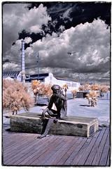 El mico de la fàbrica de l'Anís (Ar@lee) Tags: catalunya fábricaanísdelmono badalona platjadelpontpetroli ir fotografíainfrarroja fullspectrum filtre720nm airelibre barcelonaexperience bordeparafotos sky clouds d50 espectrecomplet exteriors photographyinfrared nikond50 paisajeurbano trees xemeneies chimenea