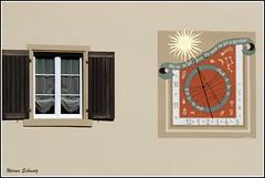 Geh mit der Zeit, aber komme von Zeit zu Zeit zurück. (in explore) (Werner_Schmutz) Tags: sonnenuhr gasthaus sonne buckten baselland baselbiet fassade sundial cadransolaire schweiz suisse svizzera switzerland suiza