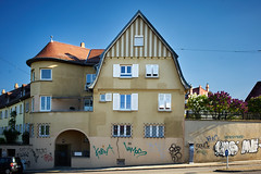 _DSC3919 2 (Marc R. A.) Tags: house city loxia235 a7 a7r2 stuttgart