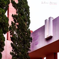 [ #132 :: 2017 ] (Salva Mira) Tags: muralla murallaroja arquitectura architecture bofill calp ricardobofill rosa rose fucsia fucshia salvamira salva salvadormira