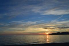Acuarela Sobre un Lienzo Real (Tomás Hornos) Tags: sun sunset light azul blue bleu mar sea almuñécar d3200 atardecer puestadesol cielo sky clouds nubes paisaje landscape sol