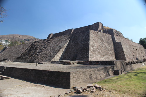 tenayuca double pyramid