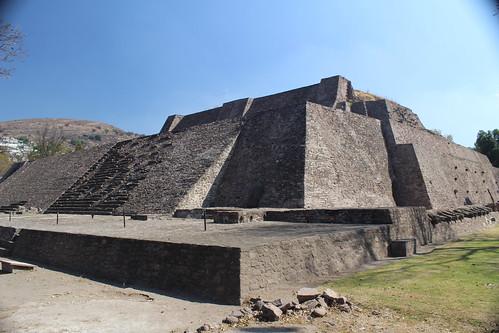 tenayuca double pyramid