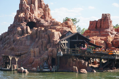 "Walt Disney World: Big Thunder Mountain Railroad • <a style=""font-size:0.8em;"" href=""http://www.flickr.com/photos/28558260@N04/33908010314/"" target=""_blank"">View on Flickr</a>"