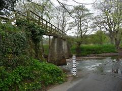 Footbridge at Grosmont (Martellotower) Tags: grosmont footbridge river esk