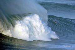 KAI LENNY / 2907NAZ (Rafael González de Riancho (Lunada) / Rafa Rianch) Tags: surf waves surfing olas sport deportes sea mer mar nazaré vagues ondas portugal playa beach 海の沿岸をサーフィンスポーツ 自然 海 ポルトガル heʻe nalu palena moana haʻuki kai olahraga laut pantai alam mare sports esportes water