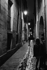 Paris Le Marais (franck mory) Tags: paris lemarais nuit rue night blackandwhite bw