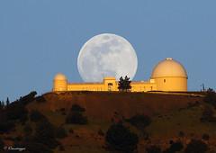 Full Moonrise over Lick Observatory (Omnitrigger) Tags: moon lunar bayarea wildbayarea lickobservatory moonrise fullmoon
