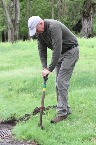 Eric Jorgenssen led a crew to clean up sitelines
