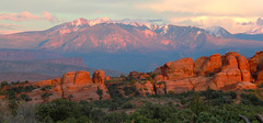 Salpenglow (RPahre) Tags: arches archesnationalpark lasalmountains alpenglow panorama pano sunset