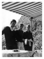 papà con i gemelli 1961 (dindolina) Tags: photo fotografia blackandwhite bw biancoenero vintage 1961 1960s italy italia family famiglia twins gemelli agostinovignato vignato