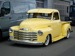 old beauty, Chevrolet Pickup (Werner Schnell Images (2.stream)) Tags: ws oldtimer old beauty chevrolet yellow gelb sick pickup