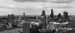 Londres bn_0027 (Joanbrebo) Tags: london thames rio river riu blancoynegro blackwhite monochrome cityscape canoneos70d efs18135mmf3556is eosd autofocus saariysqualitypictures