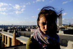 (kyopé) Tags: belgique bruxelles jeune fille femme extérieur portrait grimace grumpy ciel nuage cityscape marion vent wind fujifilm xt10 2017 avril pouty