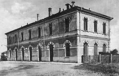 Piazza Tirana - Stazione di San Cristoforo 1930-35 (Milàn l'era inscì) Tags: urbanfile milanl'erainscì milano milan oldpicture milanosparita vecchiefoto san cristoforo