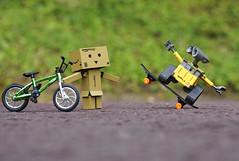 Happy Days (Skyline:)) Tags: walle danbo bike yellow skateboard green minifigures sigma60mm