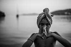 Black India (PaxaMik) Tags: grèce sifnos portrait portraitnoiretblanc inde india heureindoue black blackandwhitephotos noiretblanc noir contraste blanc turban prière horizon mer summertime summer été mains hands doigts fingers zen calme quiet