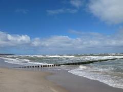 Warnemünde (igelchen) Tags: warnemünde wasser strand himmel sky ostsee water beach balticsea buhne