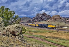 Big Boy on Sherman Hill (rolfstumpf) Tags: usa wyoming up unionpacific shermanhill dale trains railway railroad bigboy emd sd70m overlandroute landscape mountains granite rocks up4014