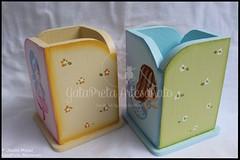 """Porta-lápis """"Sweetest Mermaids"""" (GataPreta Artesanato) Tags: caixaderecordaçõesdebebé recordações caixamultiusos bebé infantil portalápis trabalhosemmadeira decoração pintadoàmão"""
