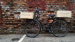 India Express (S D Fowles) Tags: isthisthelife warsaw poland india delivery bicycle bicycleporn indiaexpress function design functionanddesign 2017