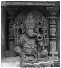 Obeisance (vatsaraj) Tags: halebidu halebeedu temple architecture stonetemple stonearchitecture hoysala hoyasala nikon d300 vatsaraj cvatsaraj ancient
