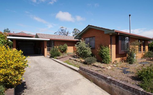 7 Hughes Place, Armidale NSW 2350