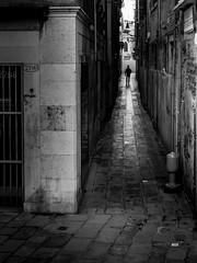 Venezia - 2016 (Enzo D.) Tags: cannaregio perspective blackandwhite 2016 alley calle italia italy olympus venezia venice wwwenzodemartinocom veneto it
