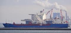 PATANI & Pioneering Spirit (kees torn) Tags: pioneeringspirit allseas heavylift kraanschippijpenlegger offshore maasvlakte2 europoort maasmond hoekvanholland rpa16 rpa15 havendienstrijnmond