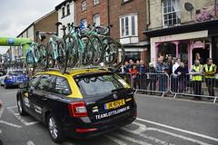 Tour De Yorkshire Stage 2 (659) (rs1979) Tags: tourdeyorkshire yorkshire cyclerace cycling teamcar teamcars tourdeyorkshire2017 tourdeyorkshire2017stage2 stage2 knaresborough harrogate nidderdale niddgorge northyorkshire highstreet