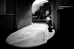 spotlight (gato-gato-gato) Tags: ch contax contaxt2 iso400 ilford ls600 noritsu noritsuls600 schweiz strasse street streetphotographer streetphotography streettogs suisse svizzera switzerland t2 zueri zuerich zurigo z¸rich analog analogphotography believeinfilm film filmisnotdead filmphotography flickr gatogatogato gatogatogatoch homedeveloped pointandshoot streetphoto streetpic tobiasgaulkech wwwgatogatogatoch zürich black white schwarz weiss bw blanco negro monochrom monochrome blanc noir strase onthestreets mensch person human pedestrian fussgänger fusgänger passant sviss zwitserland isviçre zurich autofocus
