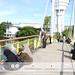 Program mengecat jambatan UNIMAS oleh Kelab Sukarelawan Mahasiswa UNIMAS