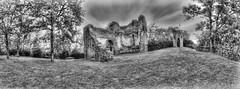 Tour du Castela 09 (Robinl81) Tags: nb black white hdr castel chateau ruine ruined brique brick monochrome tour tower