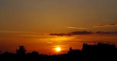 Sunset bulding - Yvelines (78) (FloLfp) Tags: sunset couleur vives light nuit printemps panorama sun crépuscule nuage