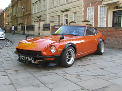 Datsun 240Z VOY474L (Andrew 2.8i) Tags: queen queens square bristol breakfast club classic classics car cars show meet avenue drivers all types transport youngtimer oldtimer datsun 240z 260z 240 260 z nissan s30 japenese sports coupe