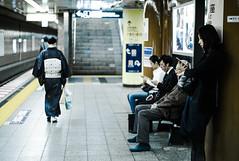 ginza station on saturday (N.sino) Tags: m9 summilux50mm station subwaystation tokyometro 着物 スマートフォン 銀座 銀座駅 東京メトロ 駅 地下鉄 beauty
