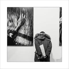 #nikosaliagas Lille 4 (Napafloma-Photographe) Tags: 2017 artetculture bandw bw fr france fuji fujinéopan400 géographie hautsdefrance lille maisondelaphotographie métiersetpersonnages nikosaliagas objetselémentsettextures personnes techniquephoto blackandwhite exposition expositionphoto lepreuvedutemps main monochrome napaflomaphotographe noiretblanc noiretblancfrance pellicules photographe photographie province smartphone téléphone visiteur nord