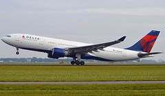 "Delta Air Lines N855NW Airbus A330-223 cn/621 ""3355"" @ Polderbaan EHAM / AMS 14-10-2016 (Nabil Molinari Photography) Tags: delta air lines n855nw airbus a330223 cn621 3355 polderbaan eham ams 14102016"