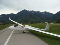 Wieder zurück (Roland Henz) Tags: fliegen segelfliegen segelflug dassu unterwössen 2017 11072015 wind windfliegen starkwind föhn