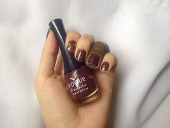 Berejena (Vogue) + Toque Final (Dote) (Daniela nailwear) Tags: berenjena vogue roxo cremoso toquefinal glitter dourado esmaltes esmalteimportado troquinha mãofeita divas dote