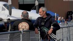 Alain et moi (Laurent Quérité) Tags: people homme man pilote spotter ba106 airshow france mérignac canoneos450d