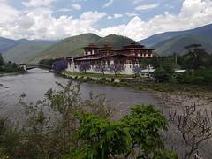 2017-05-19_06-48-53 (Tarun Chopra) Tags: bhutan samsungs8 photography gangsofduster