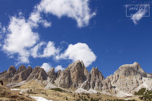 """Passo Gardena • <a style=""""font-size:0.8em;"""" href=""""http://www.flickr.com/photos/104879414@N07/34030183830/"""" target=""""_blank"""">View on Flickr</a>"""