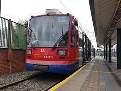 Sheffield Supertram 121 (Boothby97) Tags: sheffieldsupertram stagecoach siemensduewag tram 750vdcelectric 750vdc sheffield yorkshire meadowhall meadowhallrailwaystation yellowline supertram121