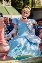 Cinderella in Mickey's Soundsational parade in Disneyland (GMLSKIS) Tags: disney anaheim california disneyland mickeyssoundsationalparade nikond750 princess cinderella